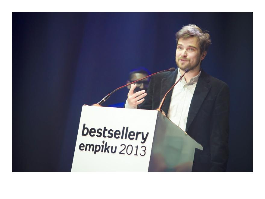 Zygmunt Miłoszewski odbiera nagrodę w kategorii literatura polska-015-2014-02-06 _ 14_58_12-75